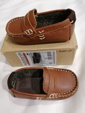 Sapatos de bebé em pele ZARA