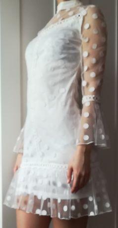 Biała sukienka przezroczyste rękawy kropki groszki choker Parisian S