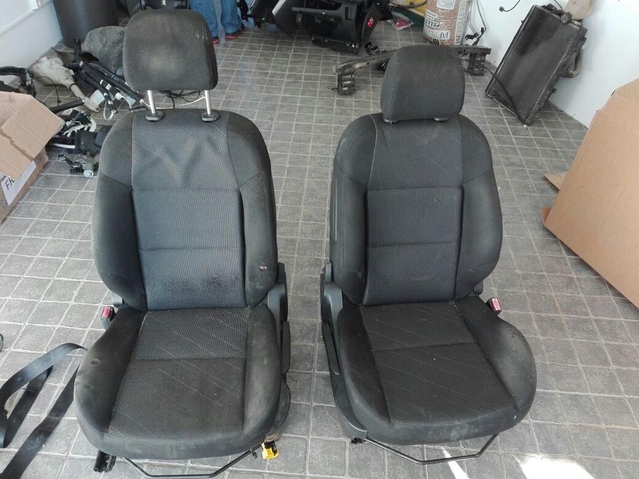 Bancos Peugeot 207 hdi (comercial) 02/2011, + cintos segurança Bacelo E Senhora Da Saúde - imagem 1