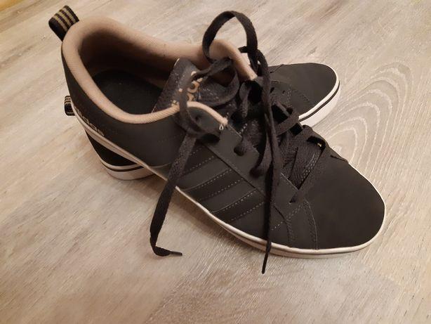 Продам чоловіче взуття .