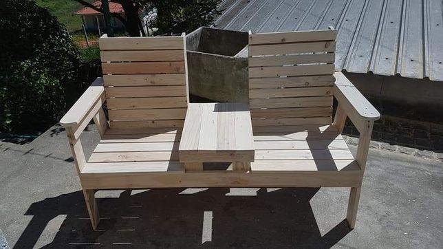 Móveis , vedações , decoração em madeira pinho