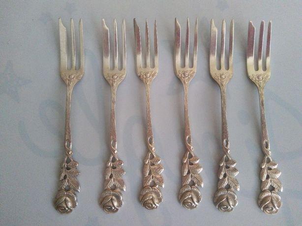 Zestaw posrebrzanych widelczyków deserowych Antiko 100 z Różą