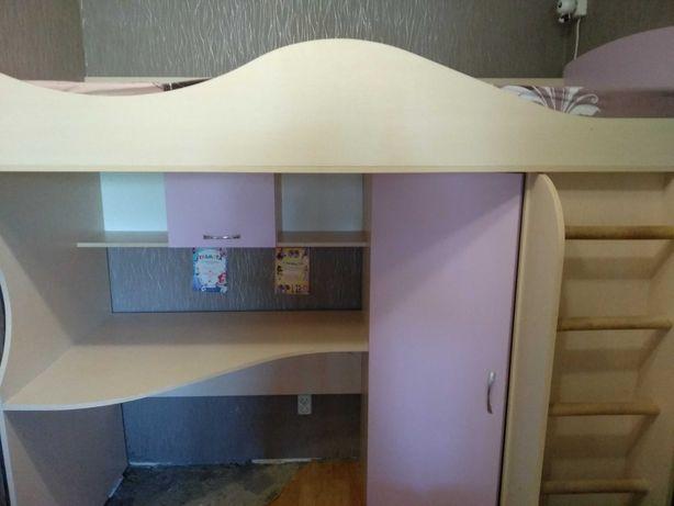Кровать для дівчинки