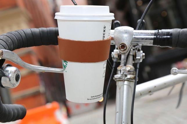 Кожаный держатель для стаканов Kikkerland велосипедный в ретро стиле