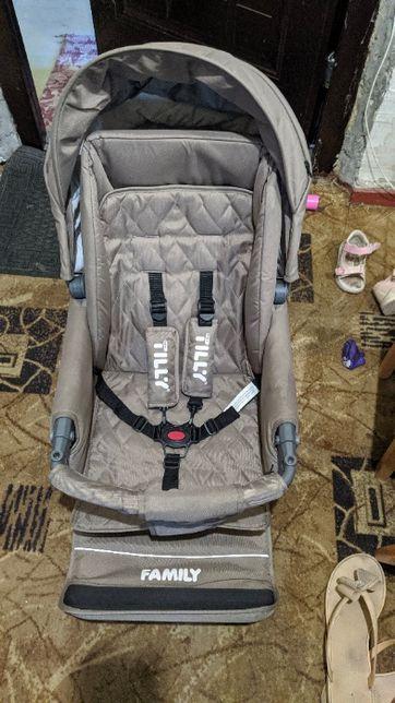 Продам универсальную коляску 2в1 (люлька+прогулка) TILLY Family T-181