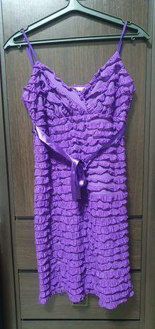 Сукня фіолетова з рюшами