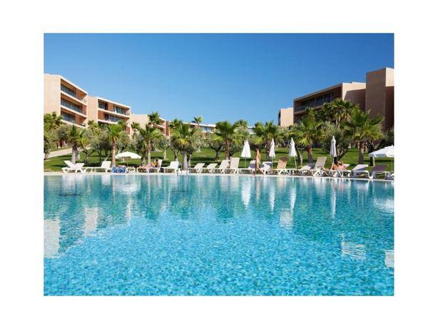 Apartamento T3 para venda em Resort de Luxo junto á praia...