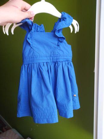 Piękna sukieneczka dla małej damy