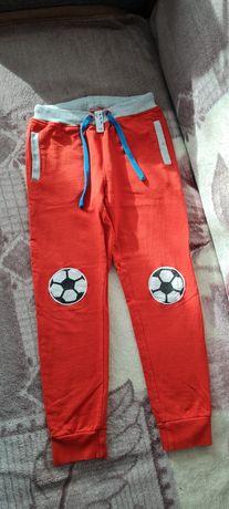 Spodnie chłopięce 2 pary.