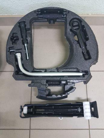 Audi A6 C7 А7 А4 B8 Вкладыш Домкрат Ключ Буксировочный крюк