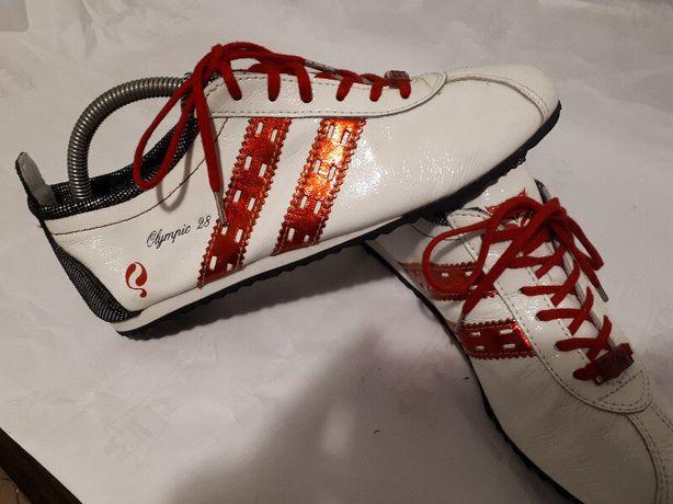 Белые легкие гламурные кроссовки мокасины кожа El tempo Испания новые