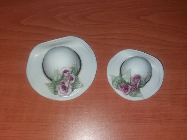 Bibelôs / Enfeites / Porcelanas Chapéus c/ Flores