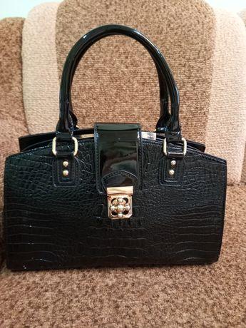 Жіноча сумочка з натуральної шкіри