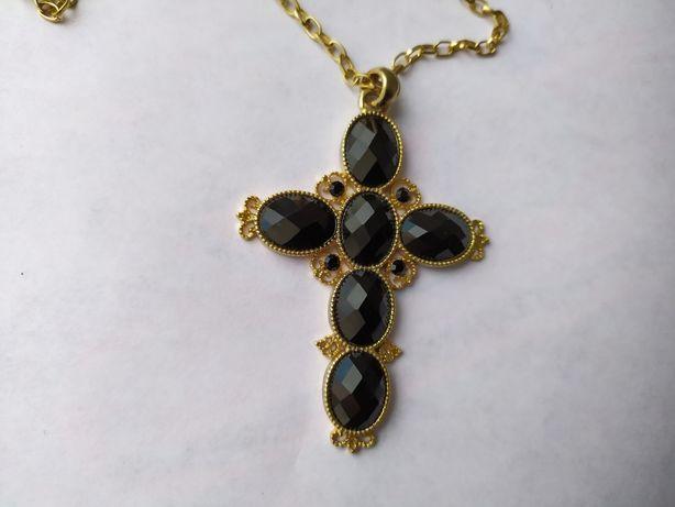 Кулон крупный крест на цепочке с черными камнями, бижутерия