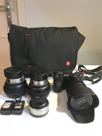 Aparat Sony A6500 zestaw; obiektywy, karty, torba