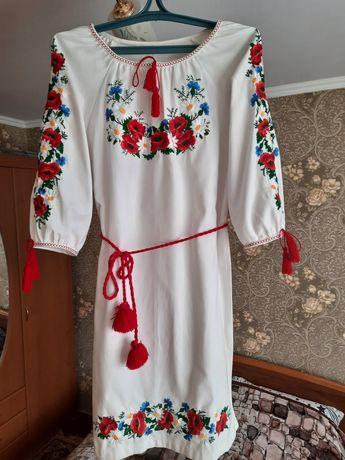 Сукня вишита жіноча