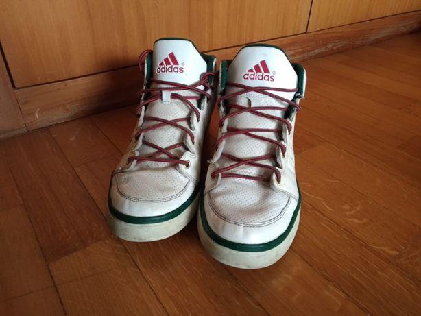 Botas/sapatilhas ADIDAS 44