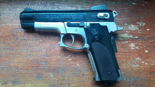 Страйкбольний пістолет Daisy Powerline Model 93