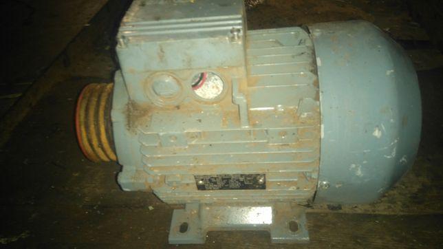 Электродвигатель Siemens 2,2*940об/мин