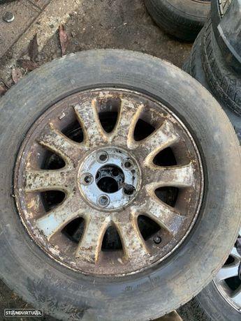 4 Jantes R16 Chrysler 5x114.3 com pneu 215/65R16