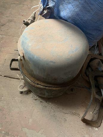 Промышленный компрессор от автомата Газ вода СССР 380 В