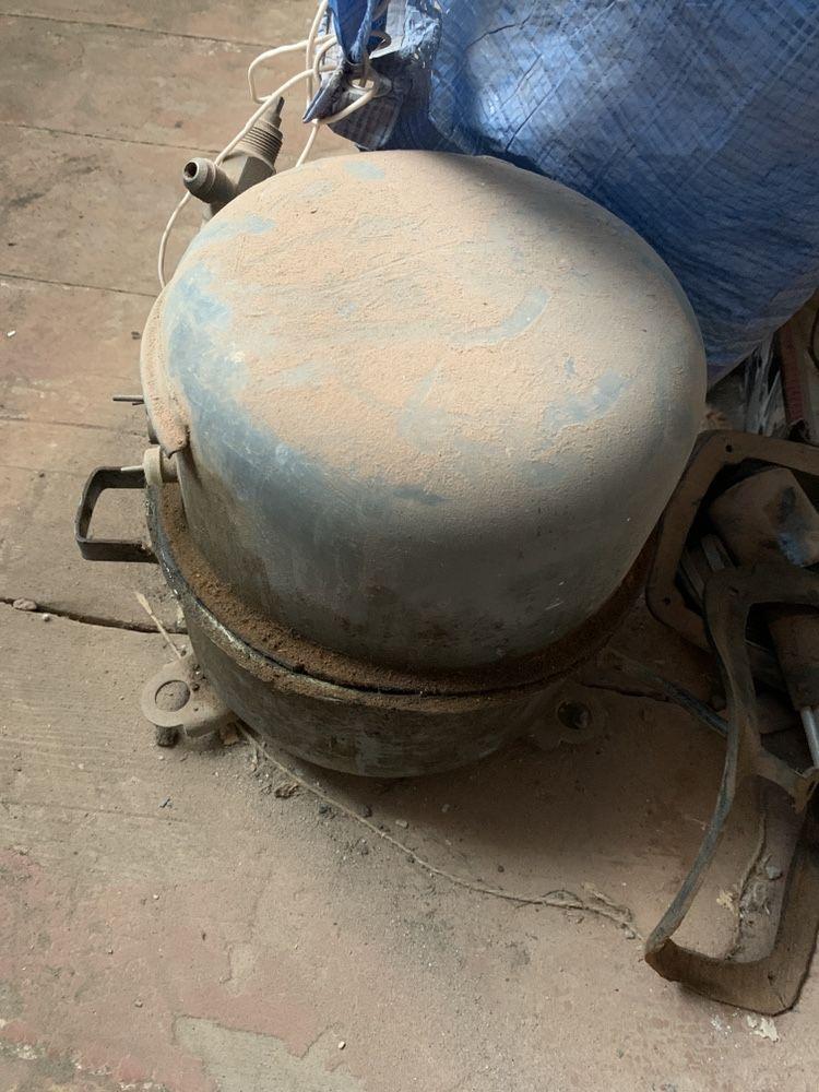 Промышленный компрессор от автомата Газ вода СССР