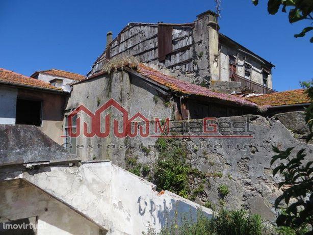 Prédio para restaurar Serra do Pilar | MaiaGest