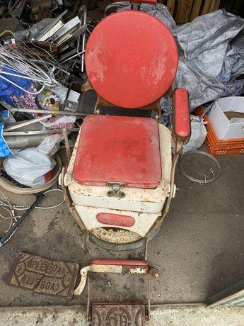 Cadeira de Barbeiro para restauro Pessoa lisboa