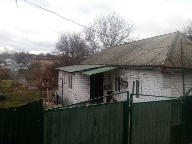 Продам будинок на Садовій