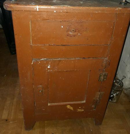 Drewniana szafka Vintage