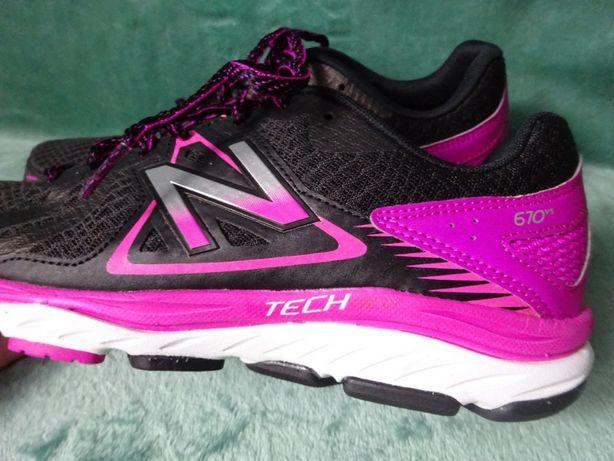 New balance tech ride 670 v5 buty sportowe r.39 / wkładka 25 cm