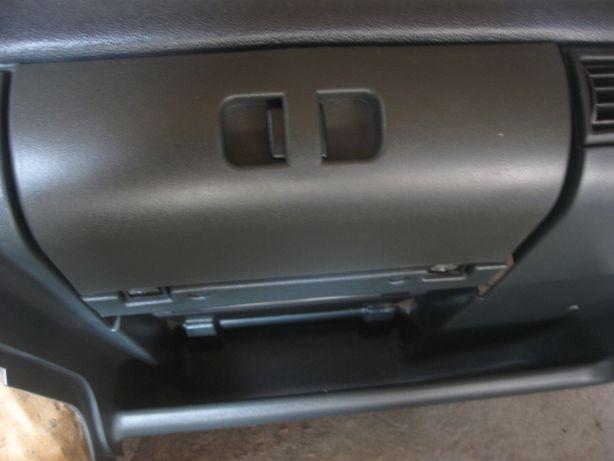 Ящик бардачёк торпеда ВАЗ 2115