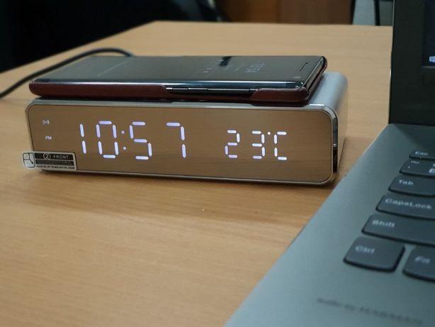 Подарок! Беспроводная зарядка 10W с часами будильником и термометром