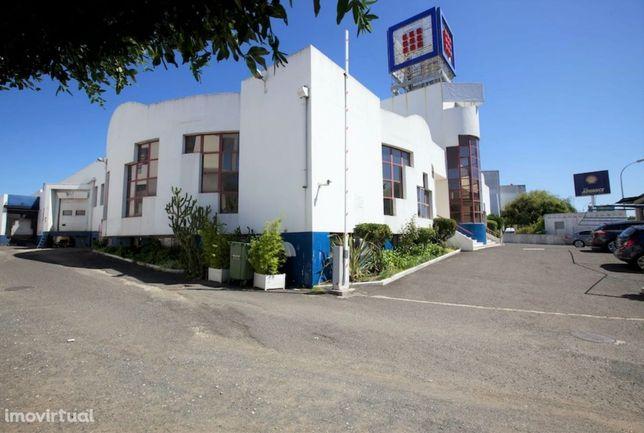 Venda Armazém Alfragide | 4.700 m2 | Investimento Imobiliário