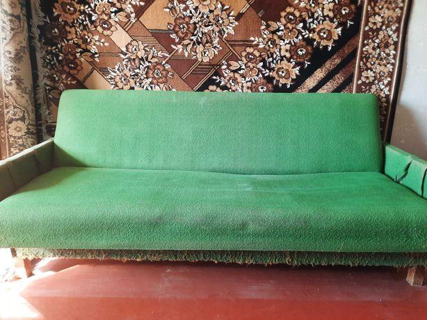 Продам диван для дачи
