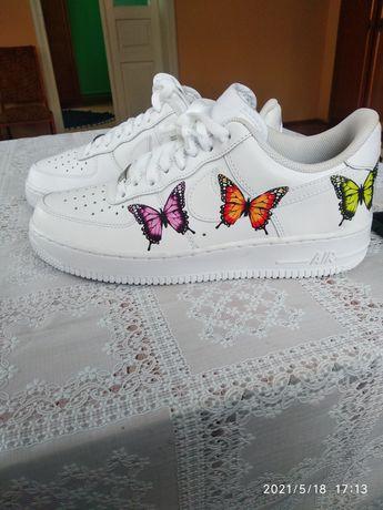 Кросівки жіночі Nike