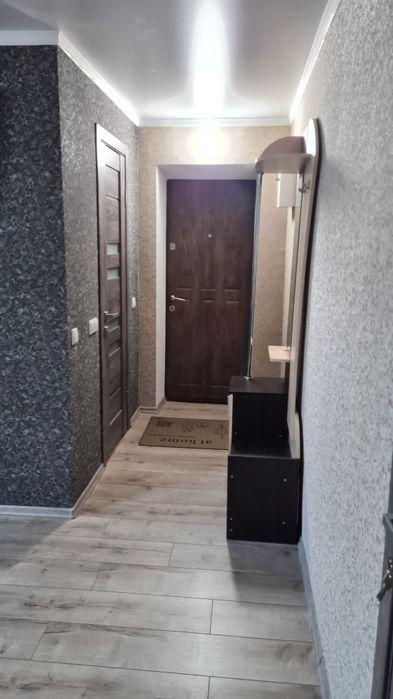 Подобово 2-х кімнатна квартира-1