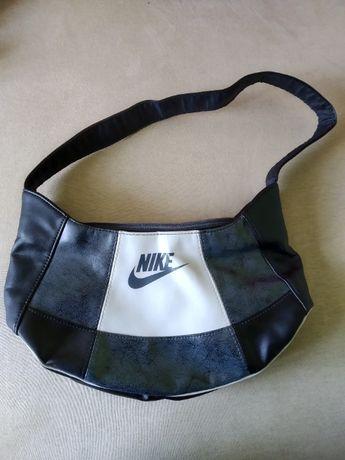 Torba torebka Nike damska mała na ramię