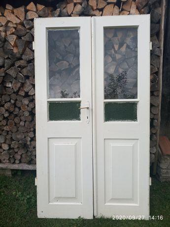 Stare drzwi dwuskrzydłowe