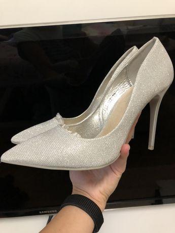 Продам туфлі.