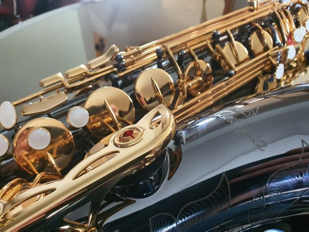 profesjonalny saksofon tenorowy ANTIGUA TS4240BG super stan