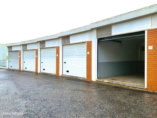 Garagem no Estoril junto à A5