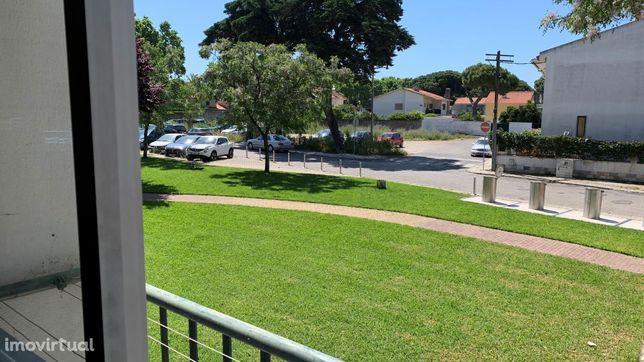 T2 c/parqueamento sem móveis Quinta Alagoa 825€