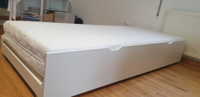 Łóżko dla 2 dzieci z wysuwaną szufladą z materacami.