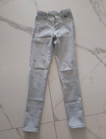 Szare jeansy M raz ubrane