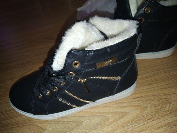 Ботинки зимние женские черные утепленные 38