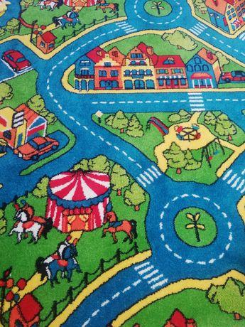 Nowy dywan ulica jezdnia miasto wesołe miasteczko kolorowy auta zabawa