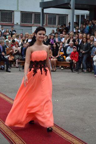 Выпускное платье в отличном состоянии.