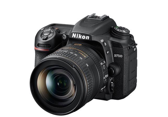 Камера Nikon D7500 + объектив AF-S Nikkor 50mm f/1.8G/ новая!