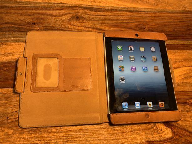 Sprawny iPad 1  32GB + skórzane etui + kabel zasilający